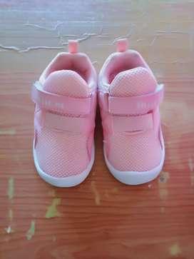 Sepatu anak merk Little M