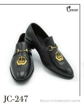 Black buckle up embroidered loafers