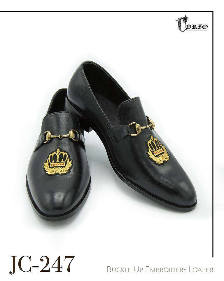 Black buckle up embroidered loafers 0