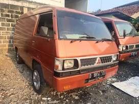 (Blind Van) L 300 Solar