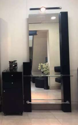 Salon mirror included side draw