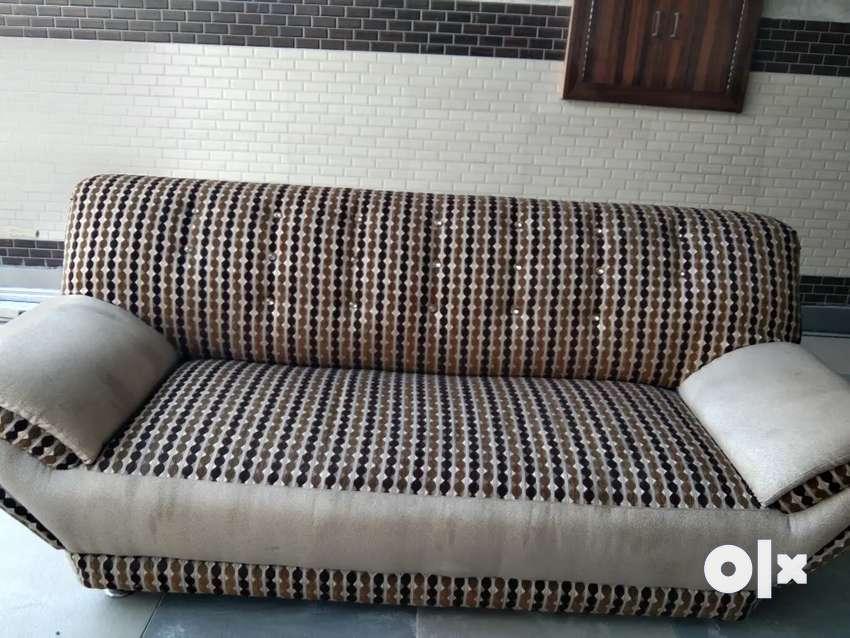 good condition Sofa set 0