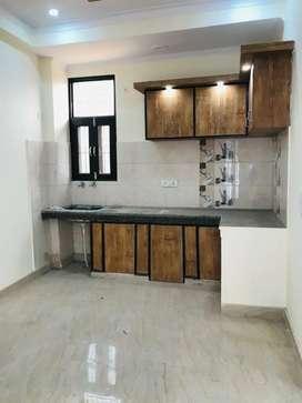 2bhk flat @ central noida