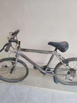 Sepeda bekas di jual murah meriah