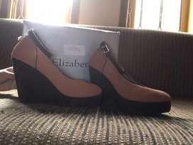 Sepatu heels / wedges