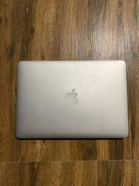 Apple MacBook Pro 13'inch ( Slightly Negotiable )