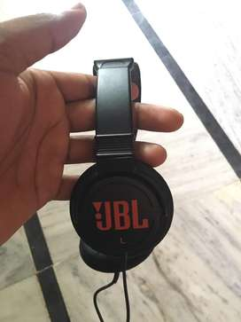 JBL wired headphone without mike