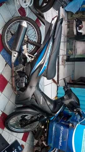 Dijual Honda revo Fit Tahun 2011  4,5 jt nego tipis