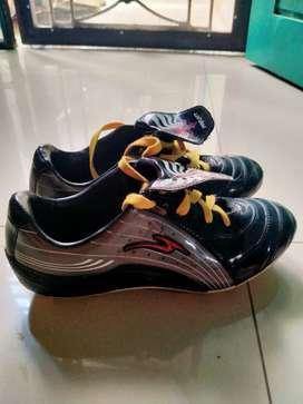 Sepatu bola  Pro ATT