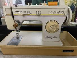 Singer Sewing Machine in perfect working condition