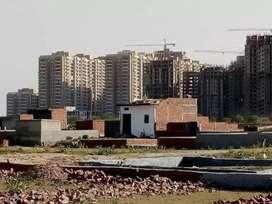 12000/gaj 50 gaj only 6 lakh me near metro station