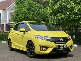Honda Jazz RS CVT AT 2016 Limited Edition Yellow!!