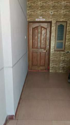 House for rent, 2 bhk, 24hr water. North facing. Near Hanuman temple.