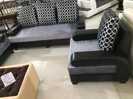 Brand New Modern look sofa set in 5 seater