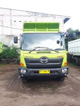 Hino lohan FM269JD dump truk