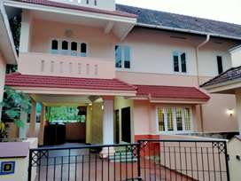 5 BHK SEMI FURNISHED GATED COMMUNITY VILLA FOR RENT AT VYTILA EROOR