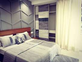 Ready to Move Sapcious two side open Apartment in Zirakpur with Lifts