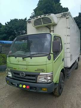 Truk Hino Dutro 130MDL 2013 box long freezer pendingin Thermoking