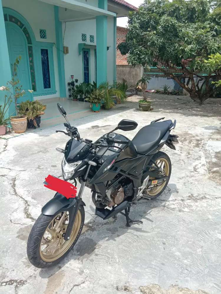 Dijual Motor CB150R StreetFire stalion black