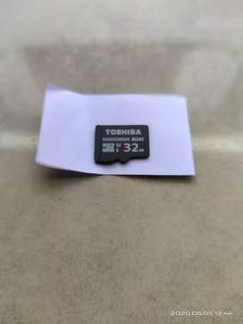 Di jual MicroSD card 32 GB masih bagus