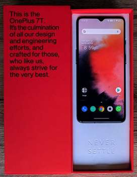 One plus 7t phone is available with all accessories bill box (certifie