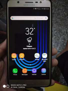 Samsung galaxy j7 max 1year old set like new condition