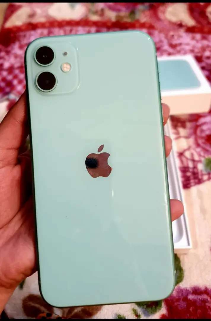Iphone 11 64gb just box opened 0