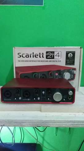 Soundcard focusrite 2i4 gen 1 mulus 98% normal like new