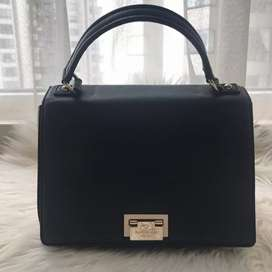 Authentic Kate Spade Trapeze