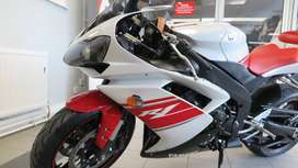 009 (09) Yamaha YZF R1 YZF R1 (14MY) TWIN Exhaust System ** Nationwide