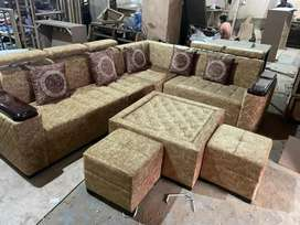 New desgner latest rich look sofa set with 1tble nd 2 puffies sale