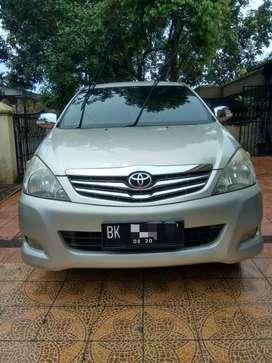 Toyota kijang innova 2010 AT bensin