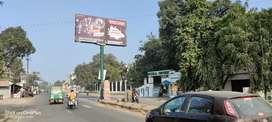 Lucknow me Kursi road per integral University se lagi side me pots