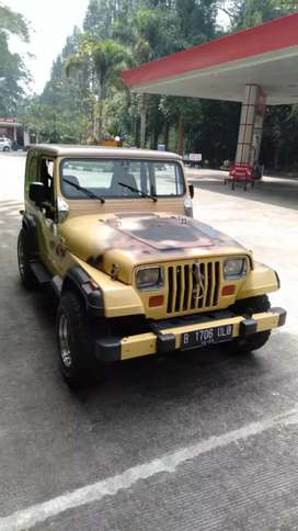 Jeep V8 CJ7 Wrangler AMC 360