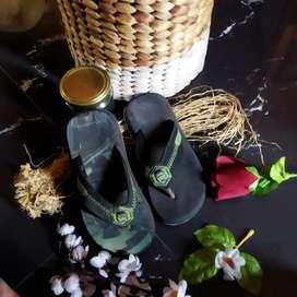 Sandal bekas murah banget