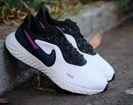 Nike revo 5 original