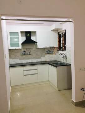 1BHK FOR URGENT SELL WITH SWIMMING POOL, GYM,CLUBHOUSE,PARKING