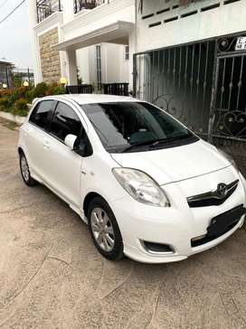 Toyota Yaris E 2010 Manual - Putih