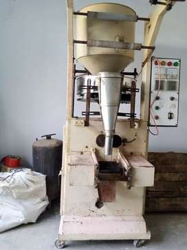 Packing machine center cell