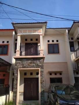 Rumah baru di perumahan dijual