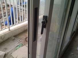 dibutuhkan tukang & kenek aluminium & kaca