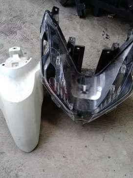 spakbor depan dan headlamp vario new