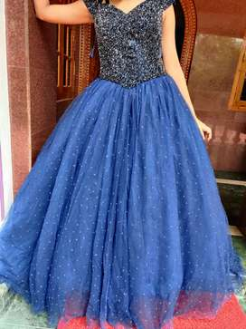 BEAUTIFUL GOWN FOR SALE !!!