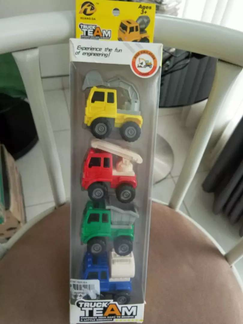 Mobil Mainan Anak Truck Team 0