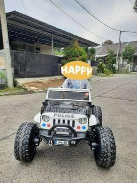 Mobil mainan aki jeep police