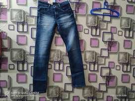 Redup Jeans