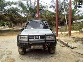 Jual suzuki escudo 4x4 2001