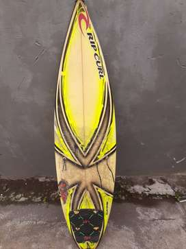 Papan surfing short rip curl