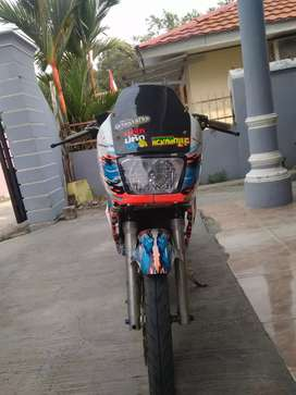 Kawasaki Ninja R 2012 (bodi SSR)