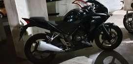 Honda CBR 250 black